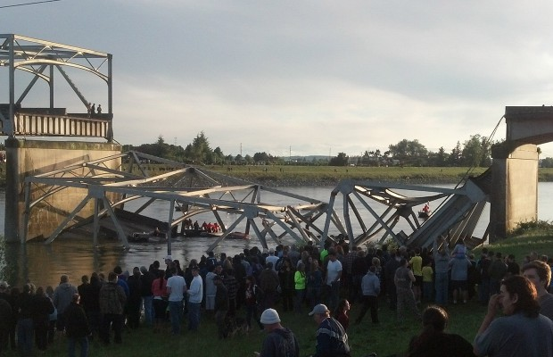 Businesses financially affected by bridge collapse can seek aid