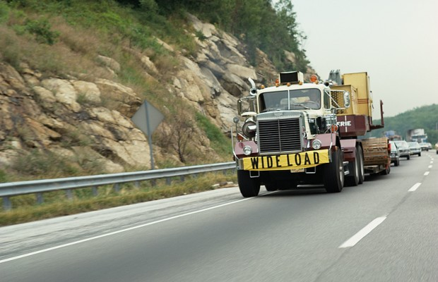 Bill deals with trucks with oversized loads