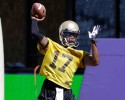 uw university of washington huskies keith price throwing practice