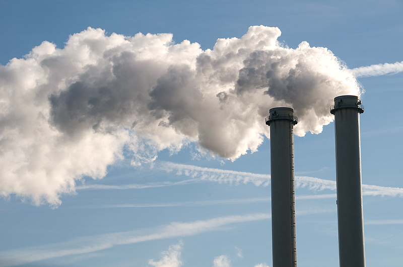 Governor signing executive order to reduce carbon pollution
