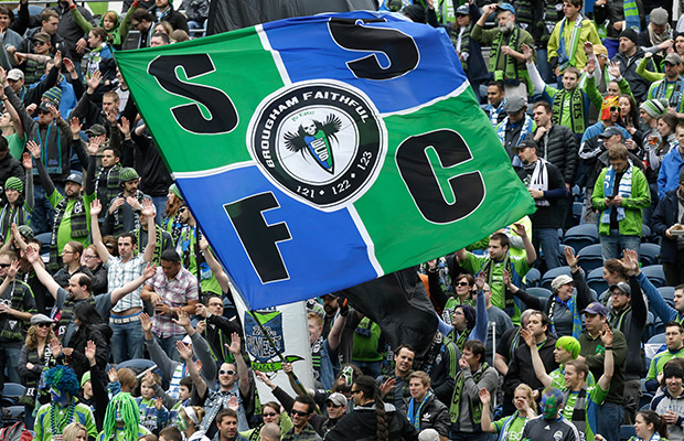 Seattle Sounders sign F Chad Barrett, 2 others