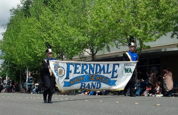 Ferndale marching band and color guard win division title