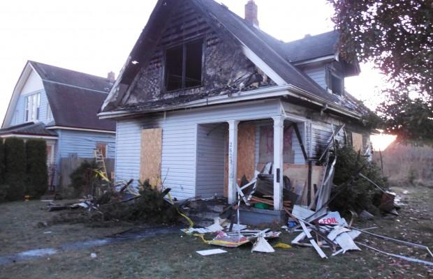 PM Bellingham 12/4/13 – House fire kills local teen