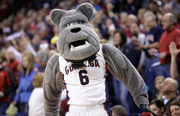 Gonzaga promotes assistant to head coach