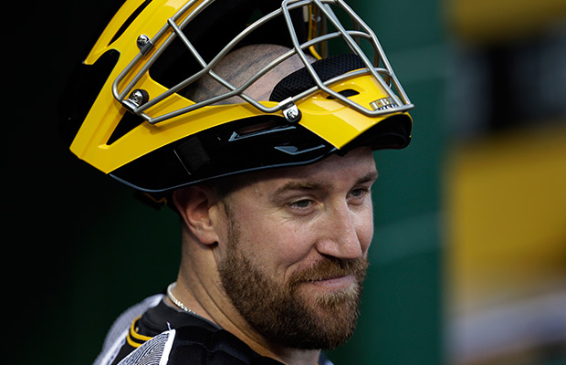 M's agree to deal with catcher John Buck