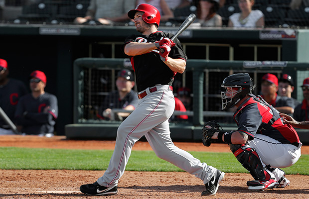 Heisey hits 2 HRs, sends Reds over Mariners