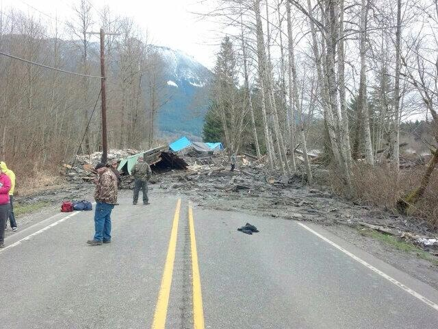 Mudslide near Oso claims at least eight lives