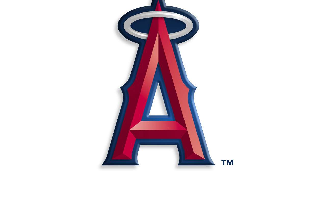 Angels rally in 9th to beat M's 6-5
