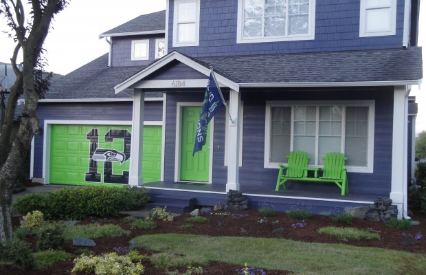 Ferndale woman turns home into 12th Man house