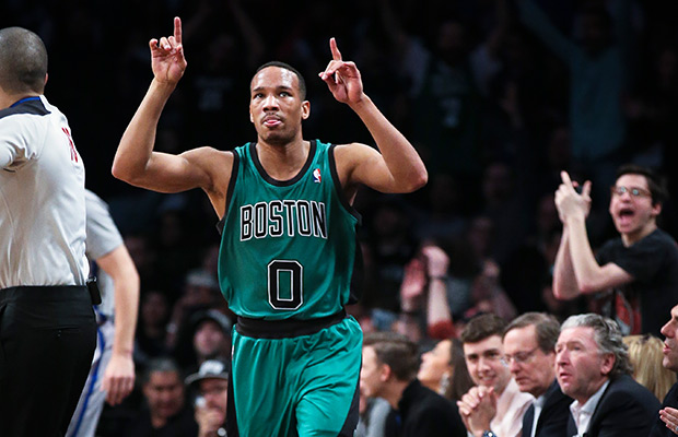 Tacoma native Avery Bradley re-signs with Celtics