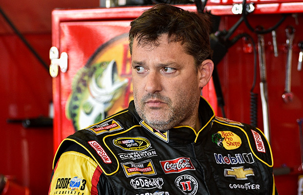 Stewart sitting out Michigan after dirt-car death