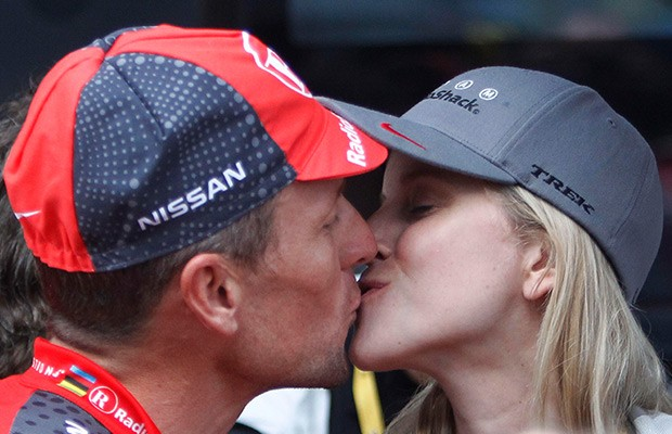 Police: Lance Armstrong hit parked cars, blamed girlfriend - WP-LanceArmstrongAnnaHansen-620x400