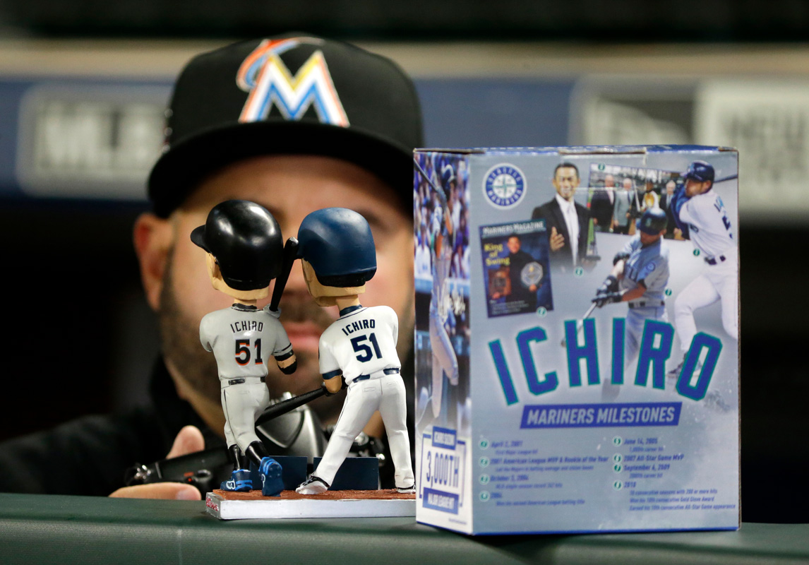 Marlins' Chen, Ziegler no-hitting Mariners through 8 innings