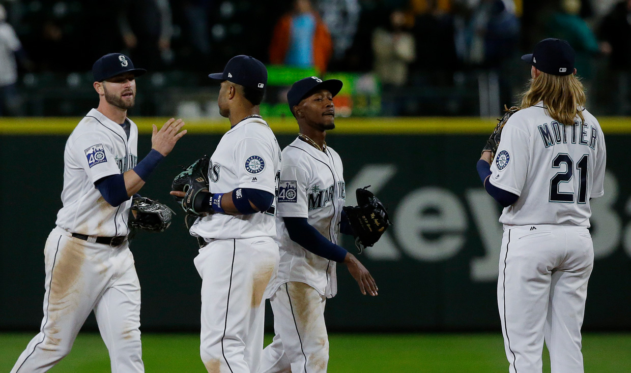 Seattle Mariners win fourth straight with 6-1 victory over Miami Marlins