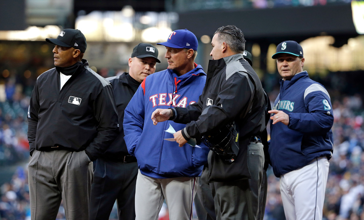 Rangers' bullpen blows another one in loss to Mariners