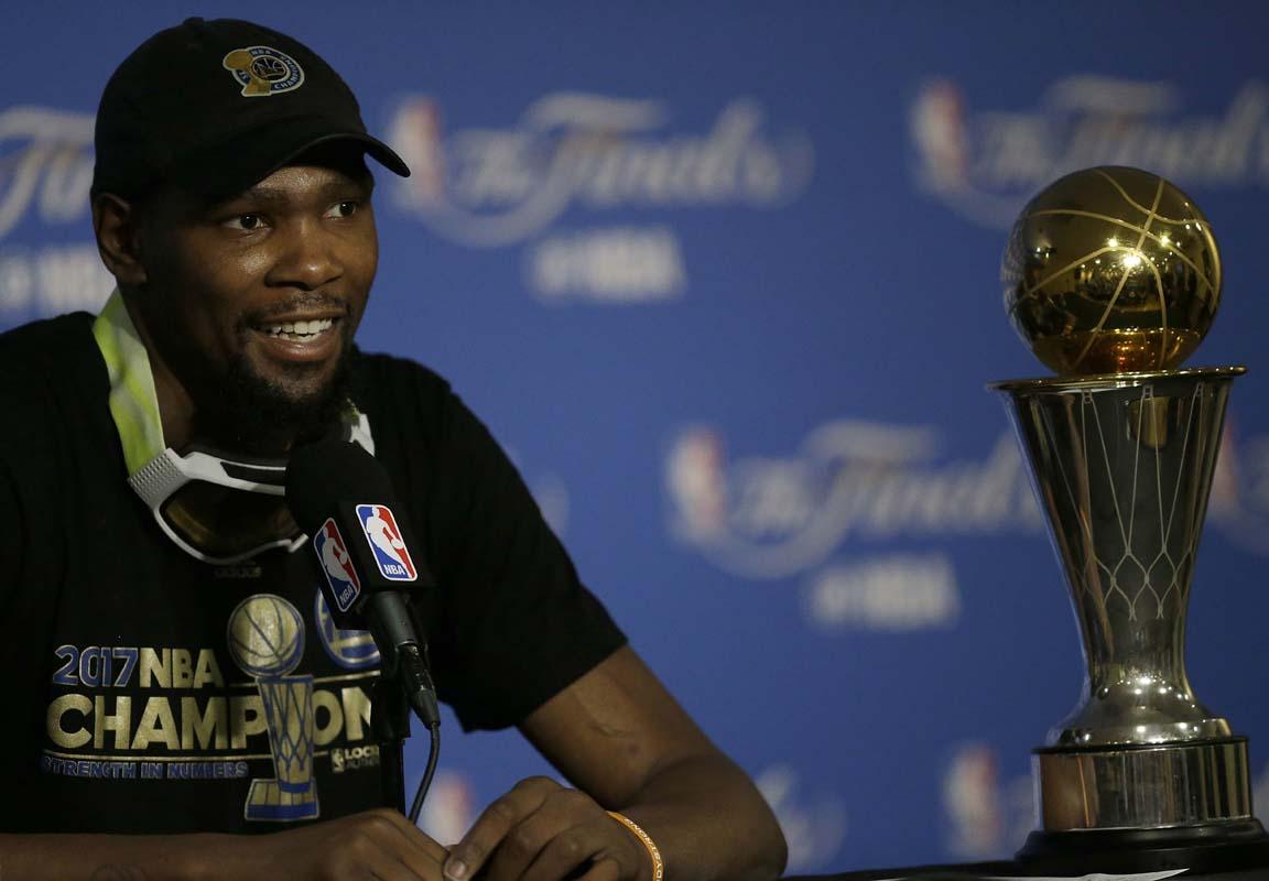 Warriors in 6? NBA botches Finals pin: TMZ
