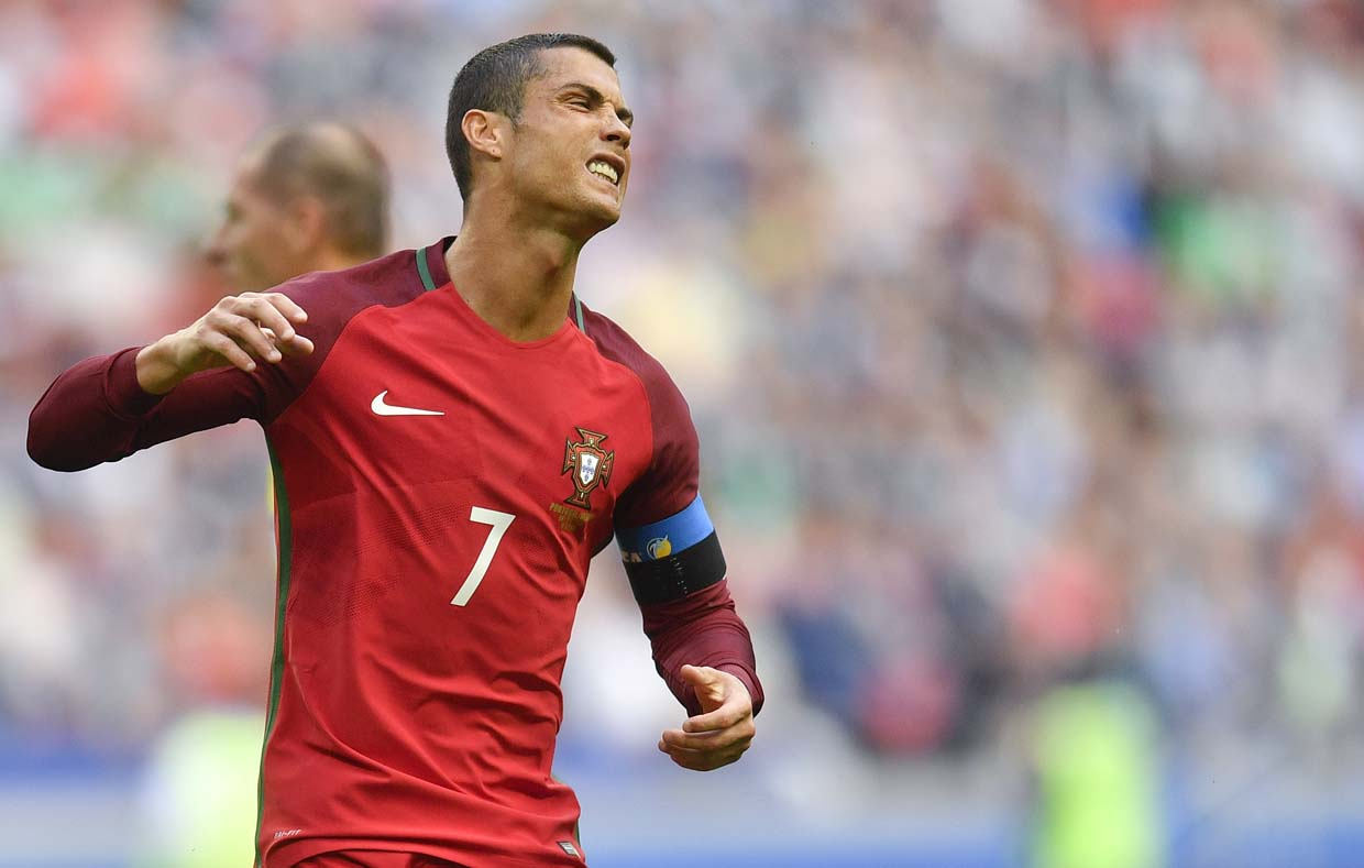 Confederations Cup: Portugal coach Fernando Santos backs Cristiano Ronaldo over media snub