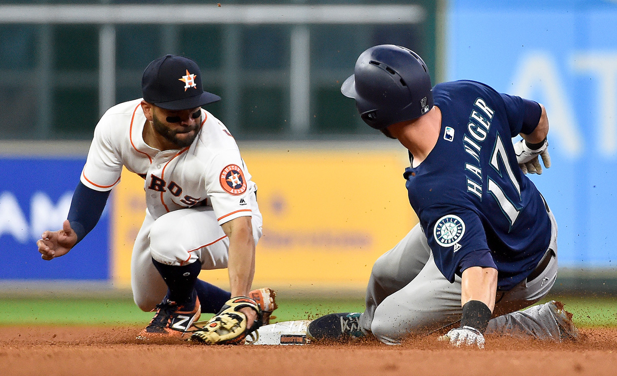 Astros' Correa to miss 6-8 weeks due to thumb injury