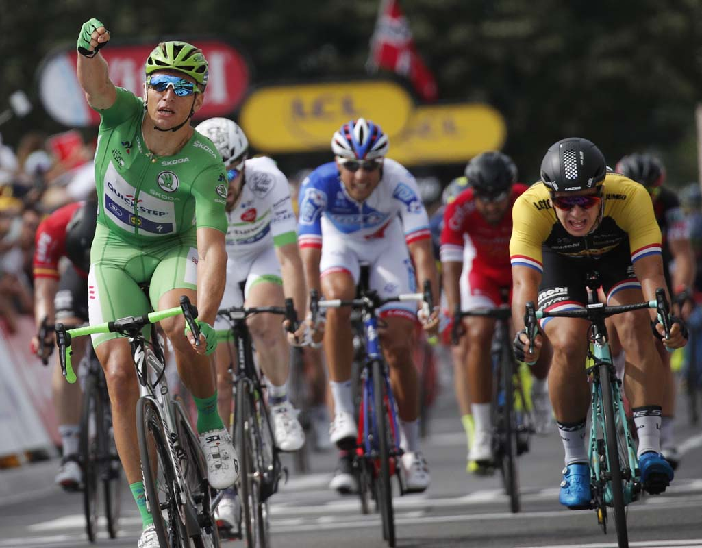 Unstoppable five-star Kittel sprints to another stage win