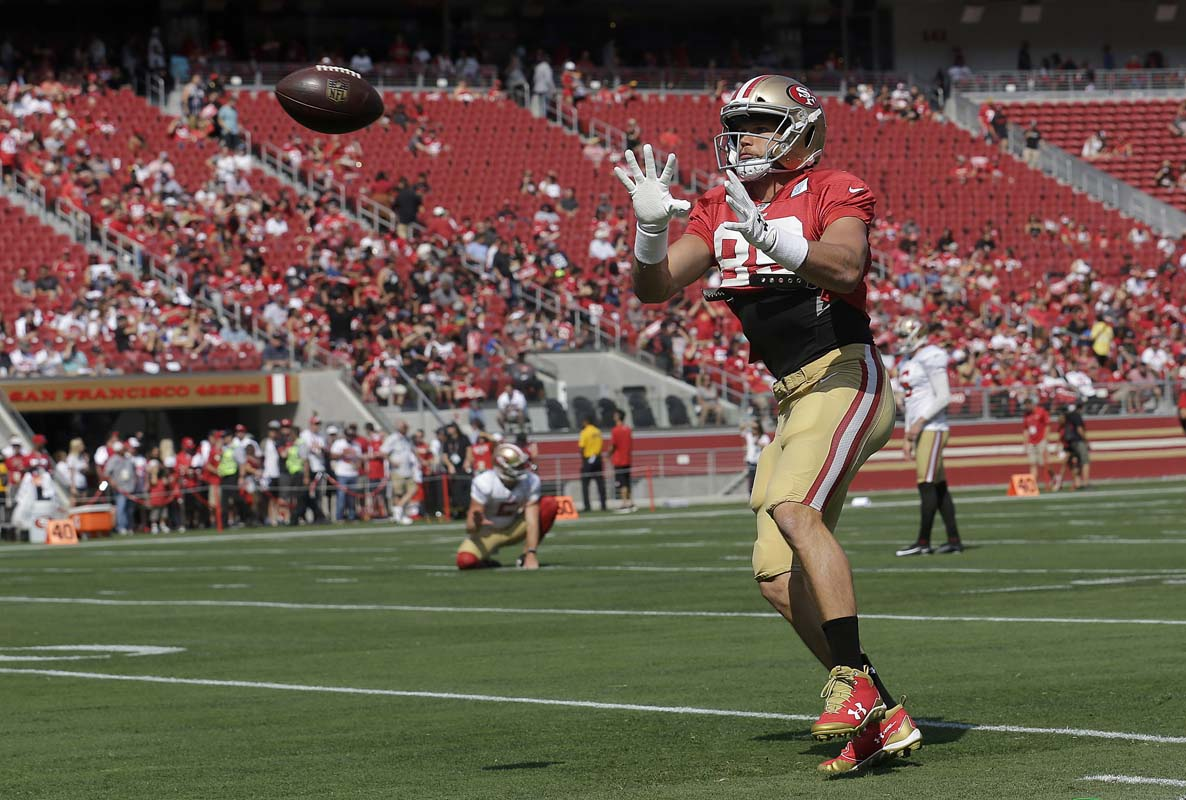 Steelers acquire TE Vance McDonald in trade with 49ers