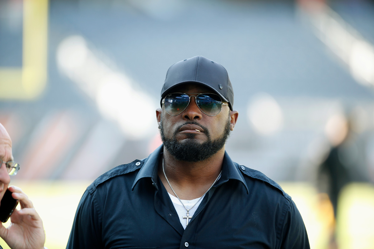 Coach Mike Tomlin says Steelers' decision was way to stay nonpolitical