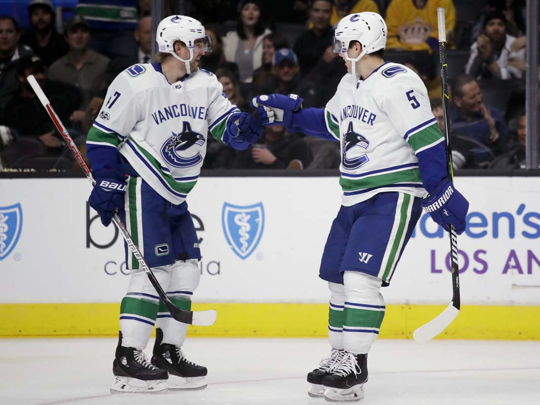 Canucks open road trip with a win in Philadelphia