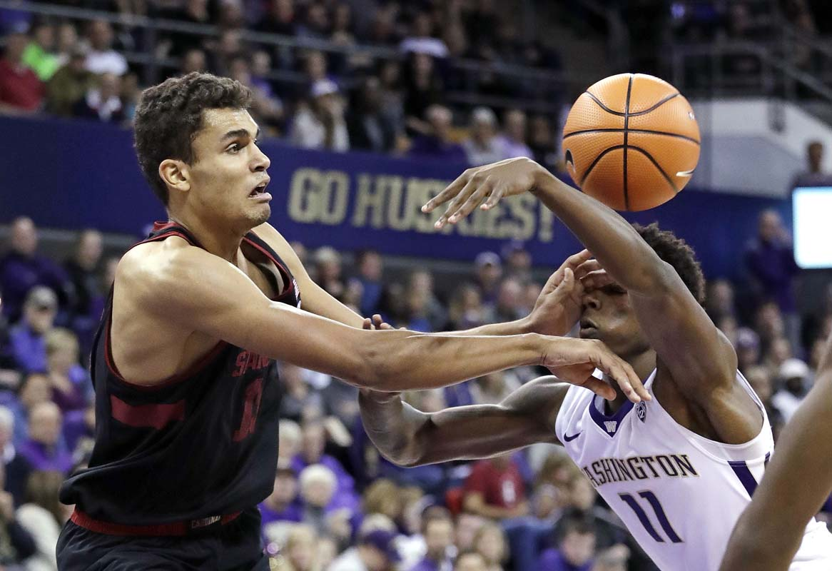 Travis scores career-high 33 in Stanford win
