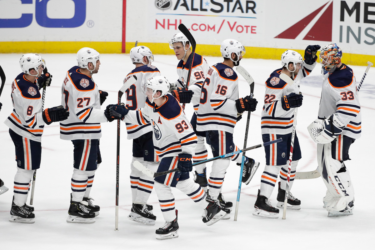 McDavid, Oilers beat Canucks 3-2 for 4th straight win | AP sports
