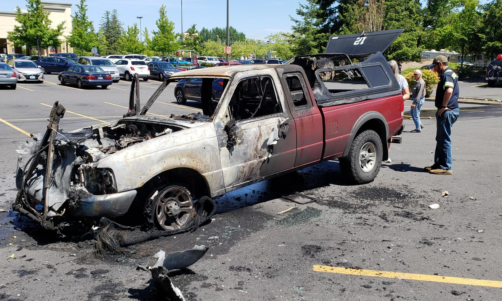 Fred Meyer Bakerview >> Photos Pickup Truck Destroyed Behind Fred Meyer 1170 Kpug Am