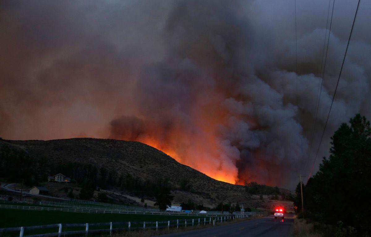 Homes Evacuated As Cle Elum Wildfire Grows 790 Kgmi