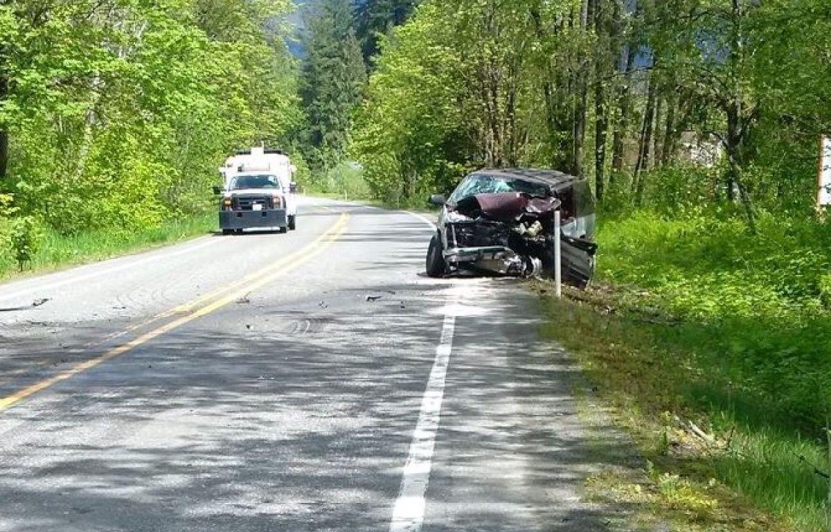 Car sliced in half in Bellingham crash | 790 KGMI