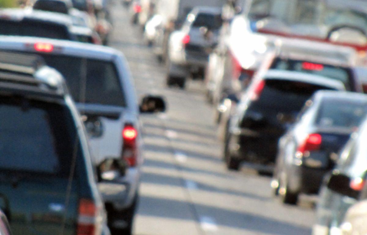 Seattle man rents luxury car, wrecks on I-5 | 790 KGMI