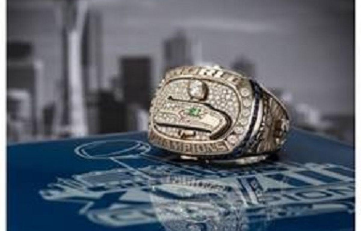 Seahawks Fan Buys Super Bowl Ring For 50 400 790 Kgmi